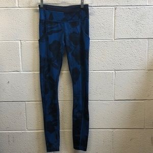 Lululemon blue and black legging, sz 2, 61776